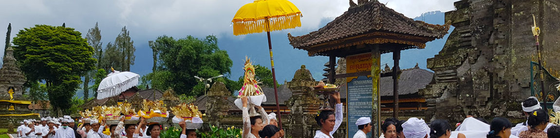 Ulun Danu Beratan Temple in Bali – full moon ceremony